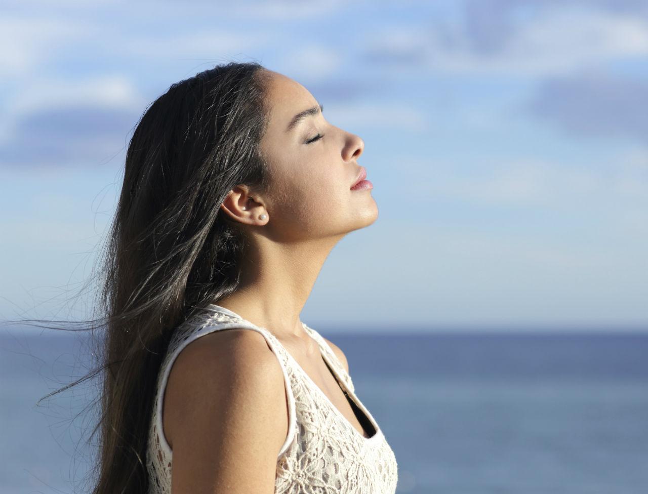 respiration-abdominale-vs-respiration-thoracique-consequences-et-bienfaits-au-quotidien
