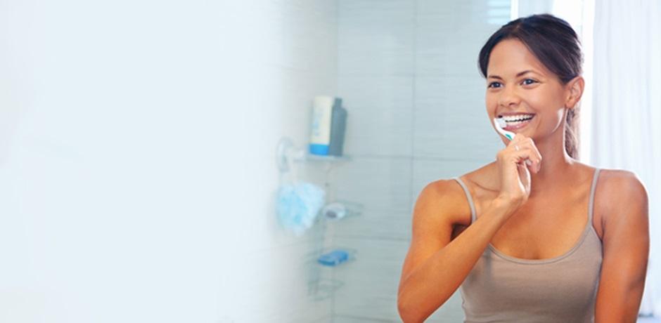 10 bonnes raisons de se brosser les dents quotidiennement. Black Bedroom Furniture Sets. Home Design Ideas